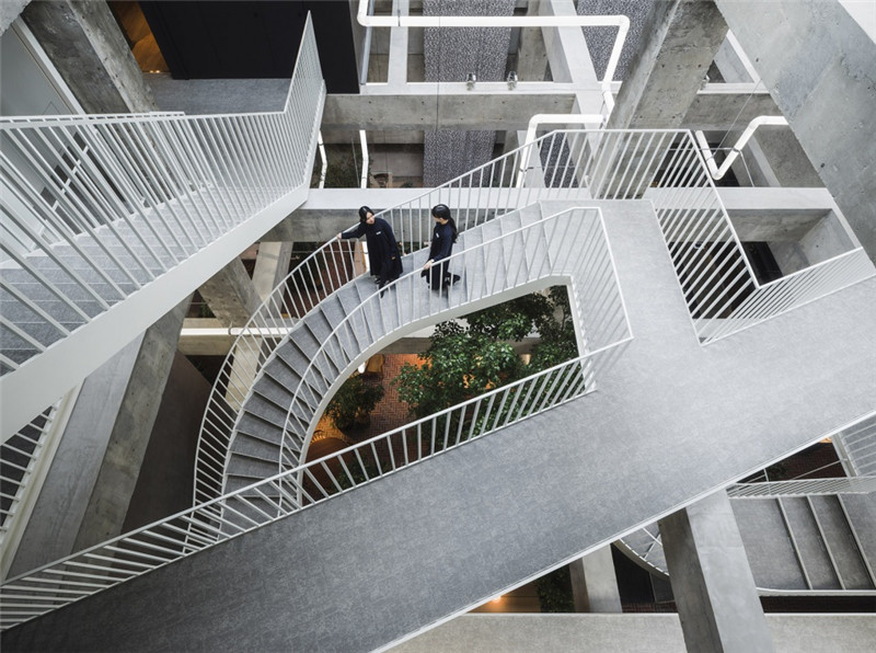 以绿色环保工业风为主题的精品酒店改造设计方案