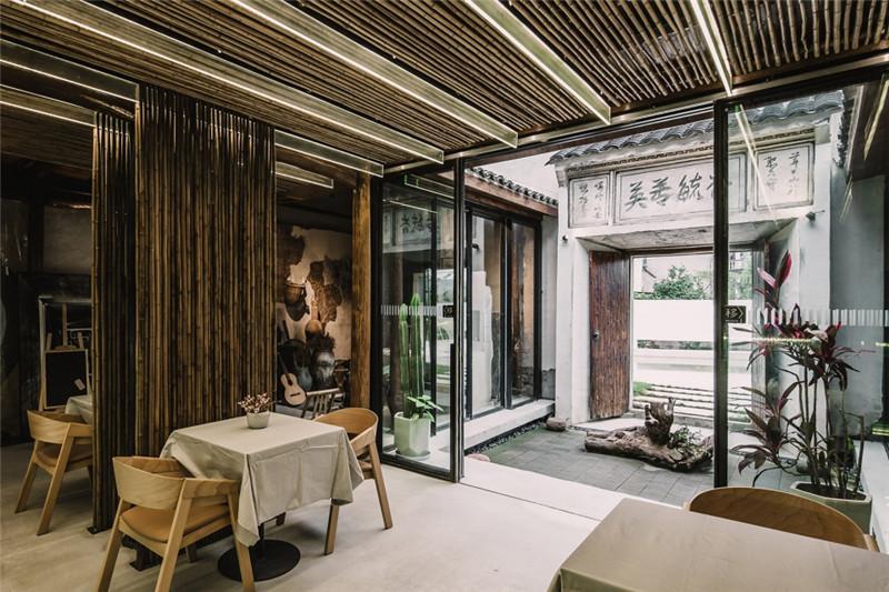 农村民居改造民宿设计案例:宾临城民宿大厅设计