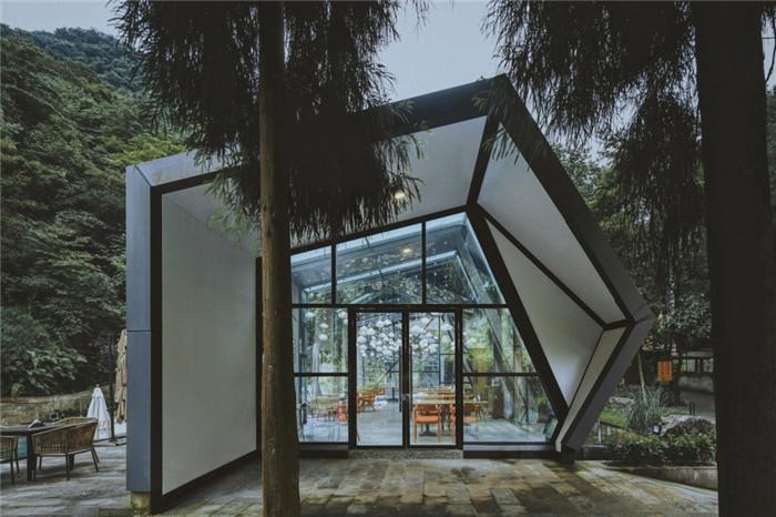 酒店餐厅设计-酷酷工业风成都1979精品度假酒店改造设计方案