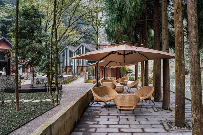 酷酷工业风成都1979精品度假酒店改造设计方案