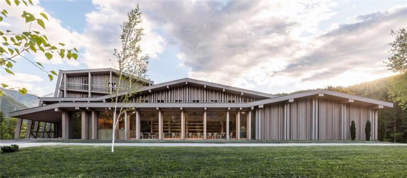 连接本土文化与创意的BOHINJ酒店外观翻新改造设计方案