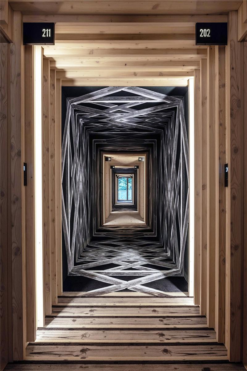 连接本土文化与创意的BOHINJ酒店客房走廊翻新改造设计方案