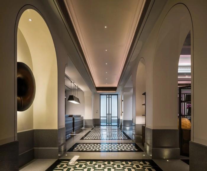 酒店走廊设计-复古传奇  武汉汉口江滩美仑国际酒店设计